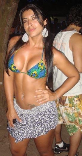 A modelo conhecida como Mel em imagem do site Bound Brazil, especializado em fetiches.